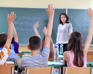 De ce nu mai au voie elevii sa ridice mana pentru a raspunde la intrebari