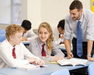 Invatamant obligatoriu de la 4 ani si examen de admitere la liceu. Ce include programul de guvernare al PNL pentru Educatie