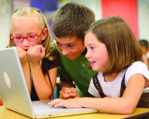 10 propuneri ale Organizatiei Salvati Copiii pentru imbunatatirea sistemului educational