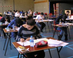 Ministerul Educatiei cere scolilor masuri concrete pentru imbunatatirea notelor elevilor inainte de Evaluarea Nationala 2015