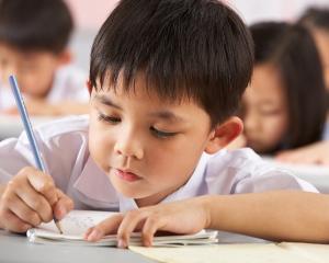 Evaluarea Nationala 2016 pentru clasele a II-a, a IV-a si a VI-a: calendar examene si metodologie de organizare