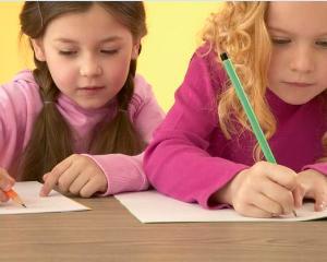 INFOGRAFIC. Evaluarea Nationala 2016 la clasa a II-a, a IV-a si a VI-a: cand incep si cum se desfasoara testele