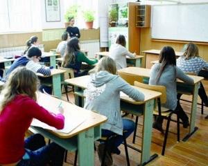 Evaluarea Nationala la clasa a VIII-a: modificari la examen. Stiati ca parintii pot vedea lucrarile elevilor, daca cereti acest lucru?