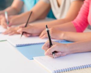 Oficialii din Educatie au discutat despre organizarea probelor de Evaluare Nationala 2016