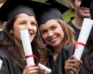 Analiza: Topul facultatilor cu cele mai bune perspective de angajare