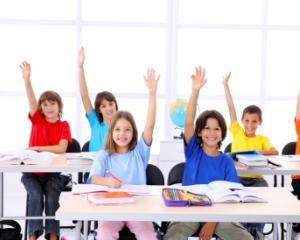 Finantare de la stat pentru elevii saraci care isi doresc sa mearga la scoala