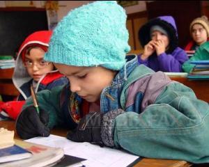Frig in scoli si gradinite: de ce sunt tinuti copiii in sali de clasa neincalzite