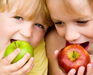 Programul privind consumul de fructe proaspete a fost extins si la gradinita
