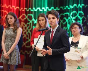 GALA JA INVESTESTE IN EDUCATIE 2016: premii pentru cei mai talentati elevi