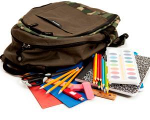 Campanie de impartire a ghiozdanelor, abecedarelor si rechizitelor gratuite pentru scolari