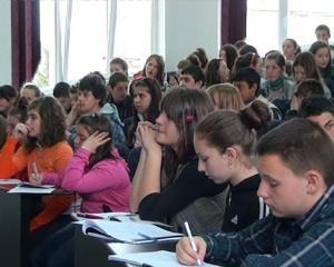 Holocaust in invatamant. Ce vor studia elevii de la gimnaziu si liceu in 2014