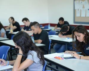 A inceput prima etapa de inscriere la liceu 2014