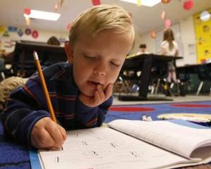 A inceput a doua etapa de inscriere in clasa pregatitoare