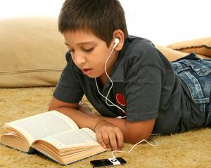 Invatarea prin ascultare, cea mai rapida metoda de retinere a informatiilor pentru elevi