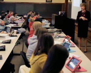 Asociatiile de parinti NU sunt de acord cu introducerea lectiilor digitale in scoli: cum pot fi afectati elevii