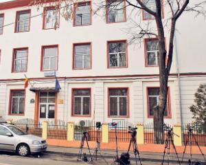 Scandal dupa scandal la Liceul Economic Constantin Kiritescu. Cati bani cer profesorii pentru a motiva absentele elevilor