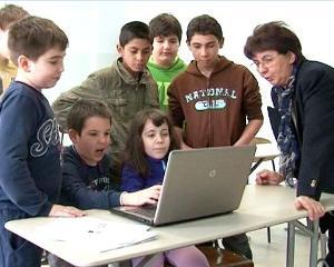 Peste 1.000 de elevi s-au inscris la cursurile de limba romana din Serbia
