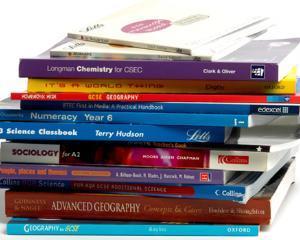 Manualele auxiliare - o afacere de 16 milioane de euro pentru profesori?