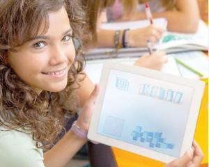 Cand ajung in scoli manualele digitale pentru clasa I si cum pot fi folosite de elevi