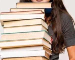 Elevii inca nu au primit toate manualele gratuite desi scoala a inceput de 2 saptamani