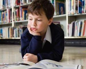 Manualele scolare vor fi achizitionate in baza unei legi speciale