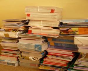 In timp ce ministrul Educatiei a promis manuale NOI, multi elevi nu le-au primit nici macar pe cele VECHI