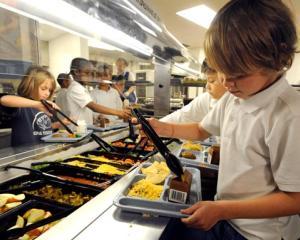 Masa calda gratuita pentru copiii de gradinita