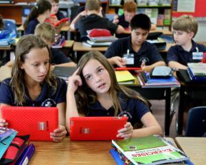 Propunere: o noua materie obligatorie in scoli si facultati