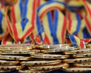 Elevii romani, medaliati cu aur la Olimpiada de Stiinte a UE