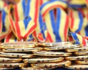 Premii de 10.000 de lei pentru elevii romani olimpici internationali