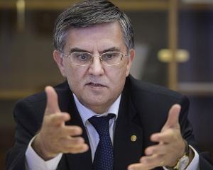 Ministrul Educatiei respinge orice legatura cu Securitatea. Mircea Dumitru: Nu am facut politie politica