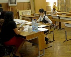 Directorul unui colegiu din Oradea a fost retinut dupa ce a primit MITA 5.000 de euro la BAC