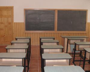 Scandalul spagii in scoli continua. Cum sunt amenintati elevii Colegiului Costin Kiritescu din Capitala