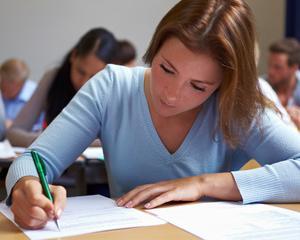 Ministerul Educatiei a publicat modelele de subiecte pentru examenele nationale de la sfarsitul clasei a VIII-a si a XII-a