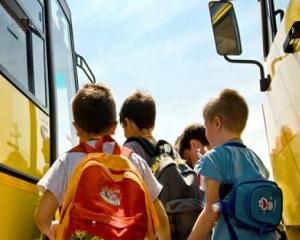 Gata cu naveta in mediul rural! Ministrul Educatiei vrea sa redeschida scoli la sate