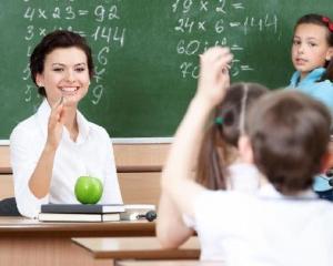 Camera Deputatilor a aprobat decontarea transportului profesorilor