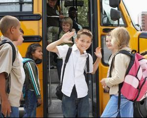 Naveta scolara, gratuita doar pe hartie