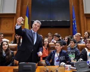 Elevii din Bucuresti au fost parlamentari pentru o zi, de Ziua Copilului