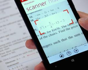 Video: Prima aplicatie care rezolva orice exercitiu de matematica