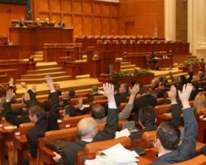 Liber la copiat! Senatorii au decis sa nu pedepseasca plagiatul