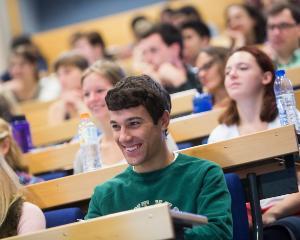 Programul DIGIPUB: peste 160 de studenti au beneficiat de practica la edituri