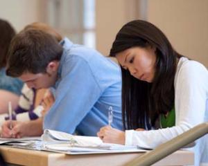 A inceput pregatirea suplimentara a elevilor pentru examenul de bacalaureat