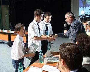 Elevii si profesorii din Brasov, premiati la sfarsit de an pentru rezultate deosebite