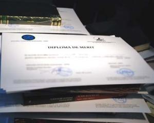 500 de elevi din Slatina sunt premiati pentru performante scolare