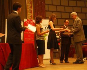 100 de profesori universitari au primit titlul de Profesor Bologna
