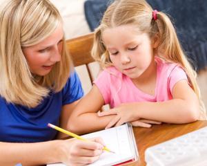 Cei mici nu s-au obisnuit cu programul scolar? Cum ii ajutati