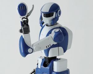 32 de liceeni din Bucuresti se intrec in programarea de roboti