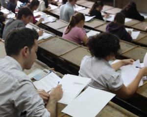 500 de elevi bucuresteni s-au familiarizat cu profesia de medic si farmacist