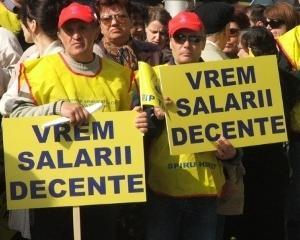 Protest in invatamant pentru neplata drepturilor castigate de personalul nedidactic