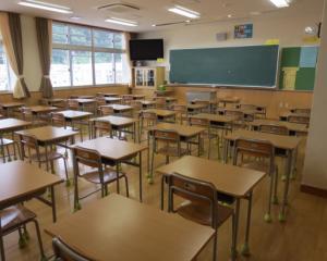 98 de scoli din Bucuresti au fost reabilitate si 25 de sali de sport au fost construite pentru anul scolar 2014-2015